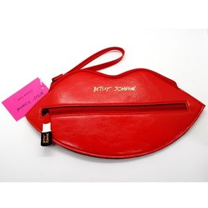 Betsey Johnson Eyewear Case LIP